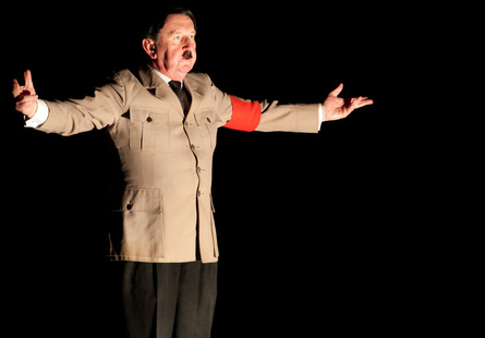 Pip Utton: Adolf